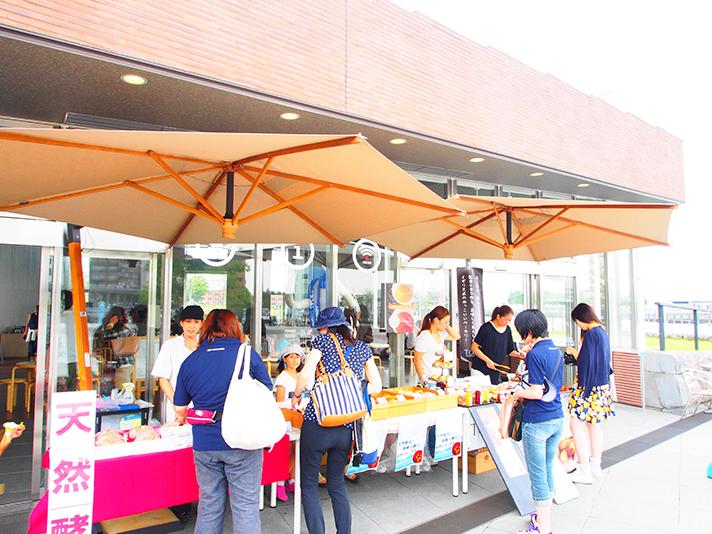 ヨコハマピクニッククラブ-ピクニック&パンマルシェと第二回街の使い方セミナー〈ソーシャルデザイン〉